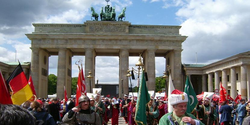 Einwanderer, Bundestagswahl, Trendsetter, Wahlniederlage, SPD, CDU, FDP, Die Linke, Die Grünen, UETD, Bundesländer, Wahlberechtigte, Migrationshintergrund