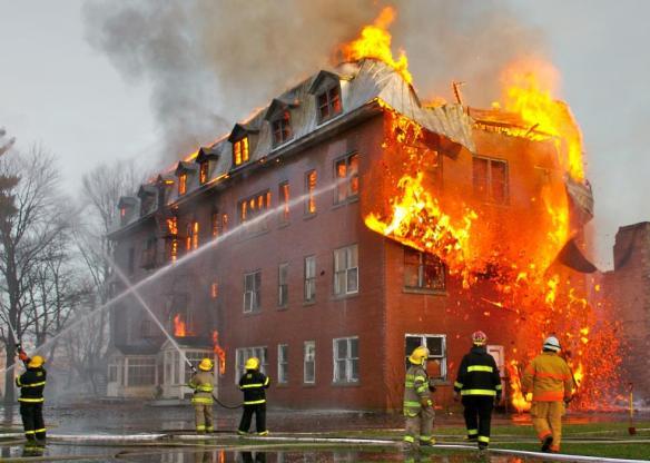Brandstiftung, Brennende Moscheen, Moschee, Koran, NSU, Muslime