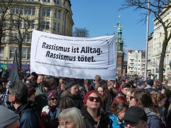 Verinnerlichter Rassismus, Rassismus, Rechtsextremismus, Nazi, Necla Kelek
