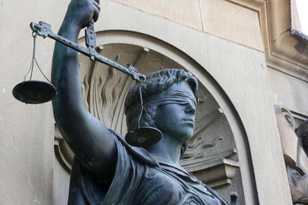 Justizia, Gerechtigkeit, Ironie, Schicksal, Um Gottes willen