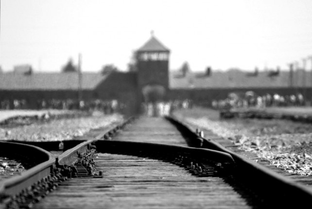 Holocaust, Verantwortung, Diskurs, Angst, Konfrontation